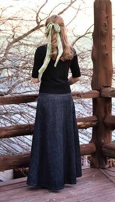 Long denim skirt. Olivia Howard. Gorgeous.