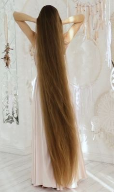 VIDEO - A dream - RealRapunzels hairstyles long for long long hairstyles hair braids hair curls hair cut with layers hair ideas hair styles hair volume long hair Easy Updos For Long Hair, Long Thin Hair, Long Brown Hair, Long Braids, Super Long Hair, Braids Easy, Face Shape Hairstyles, Straight Hairstyles, Braided Hairstyles