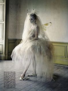 Stop. Hammer Time.   I think we all need to take a minute to just sit and stare at Tim Walker's amazing photography. Deal?   Deal.      My ...