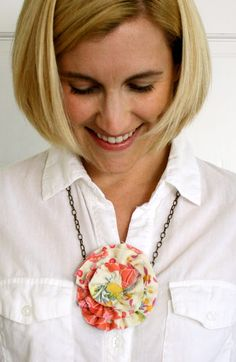 ruffled flower necklace- see kate sew