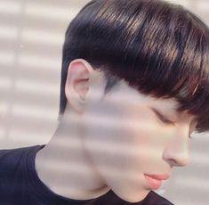 54 New Ideas For Haircut Korean Boy Korean Haircut Men, Korean Boy Hairstyle, Korean Men, Trendy Mens Haircuts, Haircut Styles For Women, Hair Styles, Pixie Cut Thin Hair, Ulzzang Hair, Ulzzang Boy