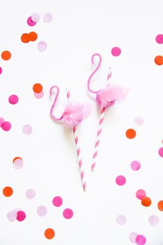 Wouldn't these be perfect for a 40th birthday party, or a kids' pool party?!  A while back, I made some swan st...
