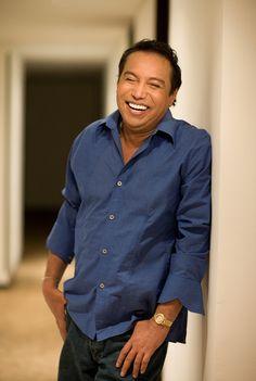 Diomedes Díaz, 'El Cacique de La Junta'. Dario Gomez, Mona Lisa, Button Down Shirt, Men Casual, Shirt Dress, Mens Tops, Shirts, Floral, Image