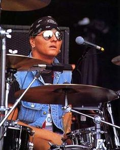 28 Best Matt Sorum Gnr Images Guns Roses Guns N Roses Drum Kit