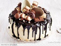 Chocolate Cake Designs, Chocolate Desserts, Peanut Cake, Yummy Treats, Yummy Food, Baby Girl Cakes, Drip Cakes, Food Cakes, How To Make Cake