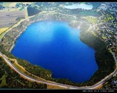 The Blue Lake in Mount Gambier, South Australia is a large monomictic lake located in an extinct volcanic maar associated with the Mount Gambier maar complex. It is one of four crater lakes on Mount Gambier Australia Tourism, Australia Travel Guide, South Australia, Australia Trip, Australia Beach, Places To Travel, Places To See, Bali, Beach Trip
