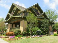 1000 images about exterior on pinterest bungalows for Craftsman style homes in okc