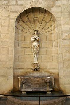 Rom, Piazza Capo di Ferro, Palazzo Ossoli, Brunnen (fountain)