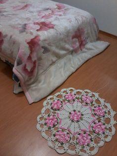 Este é tapete, mas pode ser também trilho de mesa com outro fio que fica suave e lindo..