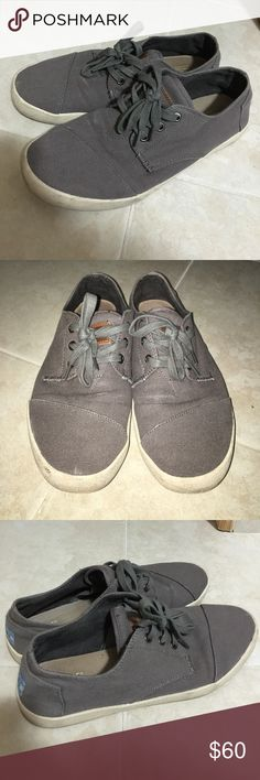 bacc804df20d TOMS Men s Size 8 Dark Gray Canvas Shoes A pair of men s TOMS dark gray  casual canvas shoes Size off-white bottom sole Well-maintained