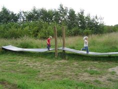 4. Groene evergreens Natuurspeelbos De Meinweg, Herkenbosch Wiebelband