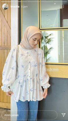 Casual Hijab Outfit, Ootd Hijab, Casual Outfits, White Outfits, Simple Outfits, Modest Fashion, Fashion Dresses, Online Shop Baju, Street Hijab Fashion