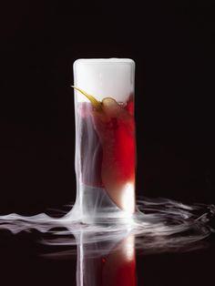 Molekulare Drinks Pint Glass, Glass Of Milk, Heston Blumenthal, Cocktails, Molecular Gastronomy, Beach Party, Tableware, Kartell, Shots