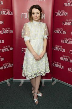 Emily Browning wore a charming frock with sheer sleeves and allover floral embroidery. The actress kept it sweet with just a pair of silver metallic platform sandals. Emily Browning, Sophie Dahl, Evan Rachel Wood, Instyle Magazine, Red Carpet Looks, Frocks, Beautiful People, Celebrity Style, Dress Up