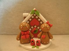 Gingerbread House - Gingerbread Couple - Figurine - gorgeous topper and cake inspiration