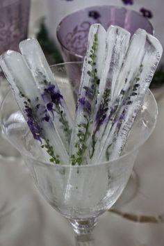 Lavender ice ideas for rustci purple wedding