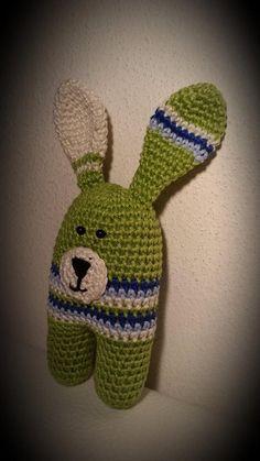 bandorka: Zajíček Karel Crochet Toys, Baby Toys, Beanie, Beanies, Children Toys, Kids Toys, Baby Play, Beret