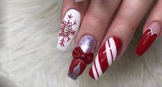 102 festive and easy christmas nail art designs you must try page 38 - Nail Art Noel, Red Nail Art, Christmas Nail Art Designs, Holiday Nail Art, Beautiful Nail Art, Gorgeous Nails, Red Gel Nails, Xmas Nails, Red Christmas Nails