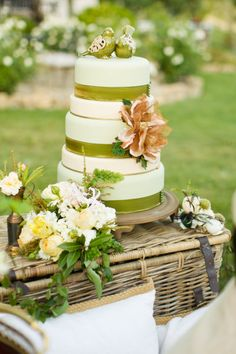 Chartreuse Wedding Cake perfect for Spring