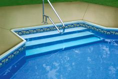 LOOP-LOC textured step patterns are custom made to fit over steel steps. #LoopLoc #Pool http://www.midamericasales.net/#!builder-and-service-products/wutyj