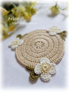 mieです  Nico作品初の「コースター」です  実は今まで、Nicoオリジナル作品として 「コースター」を世に出したことは 無かった... Cute Crochet, Coasters, Mandala, Needlepoint, Beautiful Things, Bonito, Necklaces, Crocheting, Coaster