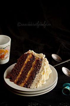 cake with caramel cream