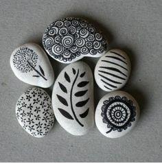 Fekete és fehér kő művészet