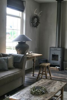 Simplistic décor in lounge Country Interior, Gray Interior, Interior Design, Cozy Living Rooms, Home And Living, Living Spaces, Vibeke Design, Rustic Interiors, Natural Living