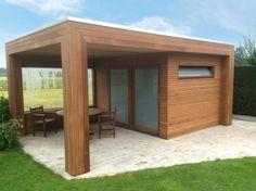 Modern tuinhuis in iroko hout door Woodproject