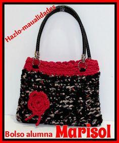 Nuestras alumnas merecen que demos a conocer sus grandes trabajos como este precioso bolso de Marisol.