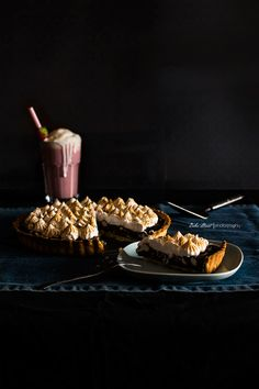 Rocky Road Tart & Strawberry Milkshake - Bake-Street.com