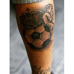 Neymar new tatoo Back Of Leg Tattoos, Leg Tattoo Men, Calf Tattoo, Full Sleeve Tattoos, I Tattoo, Cool Tattoos For Guys, Great Tattoos, New Tattoos, Tatoos