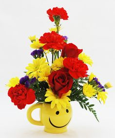 This Sunny Get Well bouquet is designed in a reusable smiley face mug and features bright red roses and sunny yellow daisies. New Baby Flowers, Beach Flowers, Flowers Today, Spring Flowers, Send Flowers, Spring Flower Arrangements, Fruit Arrangements, Get Well Flowers, Yellow Daisies