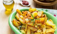 Menu di Natale dall'antipasto al dolce Frittata, Potato Salad, Potatoes, Ethnic Recipes, Antipasto, Dolce, Menu, Food, Loosing Weight