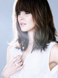 Look-Sexy-Hairstyles-With-Bangs
