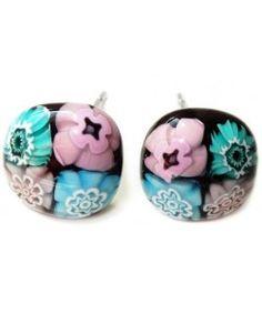 Zwarte oorstekers met turquoise & roze millefiori bloemen! Chirurgisch staal oorknopjes!