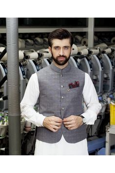 Stylish Waistcoat Designs For Men In Pakistan 2018 Waistcoat Men Wedding, Waistcoat Men Casual, Stylish Waistcoats, Nehru Jacket For Men, Sherwani For Men Wedding, Men's Waistcoat, Wedding Dress Men, Wedding Wear, Waistcoat Designs