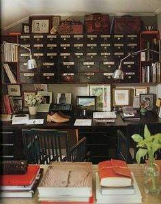 I'm not sure what I would do with that many drawers but I like the look of this office.
