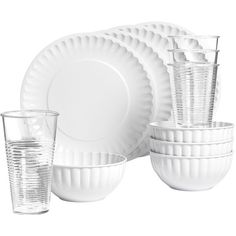Strong enough for everyday use but stylish enough for outdoor dining and entertaining, this dinnerware set is perfect for the casual lifestyle.  durable melami…