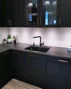 Kitchen Cupboard Designs, Kitchen Room Design, Home Decor Kitchen, Interior Design Kitchen, Kitchen Ideas, Modern Kitchen Designs, Moduler Kitchen, Small Modern Kitchens, Bronze Kitchen