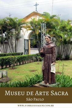 O Museu de Arte Sacra de São Paulo reúne pinturas, esculturas, relíquias e tem o maior acervo do gênero no Brasil. Foi declarado Patrimônio Mundial da Humanidade pela UNESCO.