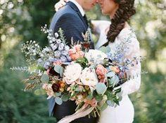 39 pastel-colored oversized bouquet for a boho bride - Weddingomania