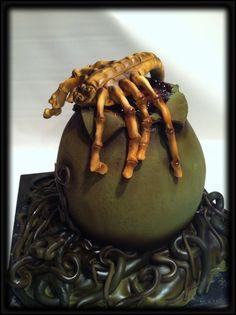Facehugger Cake