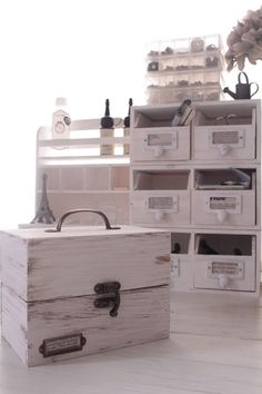 後ろの引き出しボックスはセリアさんじゃなくダイソーさんの木箱です。)『A+M』峰川あゆみのプチリメイク雑貨&インテリアライフ