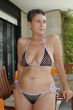 Alte Frauen Im Bikini