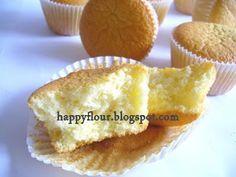 Happy Flour: Sponge Cupcakes