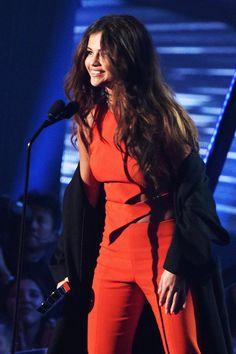 iHeart Music radio awards 2016 Selena Gomez Wins Biggest Triple Threat