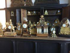 Orologi La nostra meravigliosa collezione di orologi antichi. Merita uno sguardo...che ne dite?   #Antiquariato #Arredare #Casa #Clock #Italianstyle #Luxury #Orologio #Timeless https://www.portedelpassato.com/storytelling/orologi/
