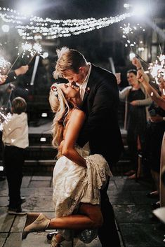Wedding Poses Premium Gold Wedding Sparklers - Engage your guests to create the perfect wedding send off with our 20 Inch wedding sparklers. Night Wedding Photos, Wedding Night, Wedding Pictures, Dream Wedding, Perfect Wedding, Wedding Ceremony, Wedding Shot, Wedding Send Off, Wedding Bells