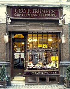 ~ Geo. F. Trumper ~ a shop for gentlemen to be pampered and shaved ~ Mayfair, London, England, UK ~ a country where the gentlemen's club still exists ~
